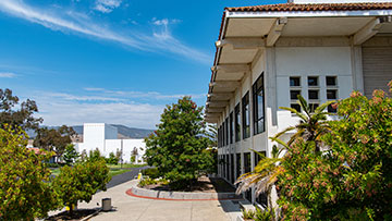 San Luis Obispo campus walkway near Dovica building